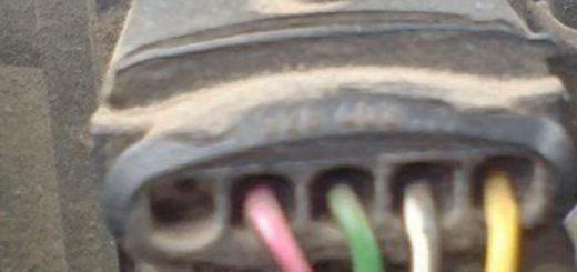Разъём датчика ДМРВ на ВАЗ-2112 16 клапанов