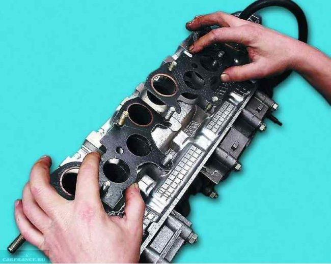 Демонтаж прокладки коллектора ВАЗ-2112