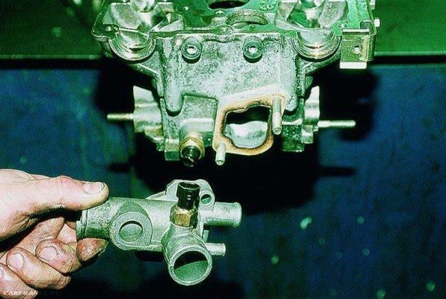 Снимаем датчик охлаждения ВАЗ-2112
