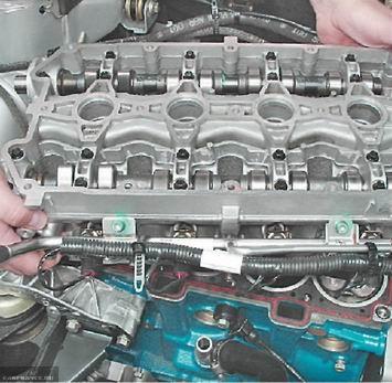 Снимаем головку блока с двигателя ВАЗ-2112