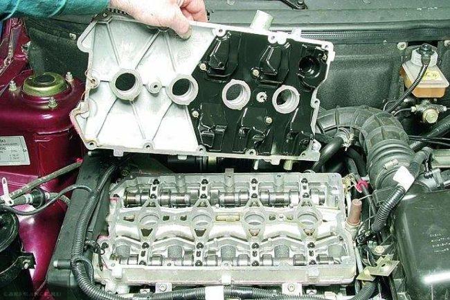 Демонтаж клапанной крышки ВАЗ-2112