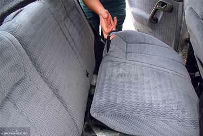 Проводим демонтаж заднего дивана ВАЗ-2112