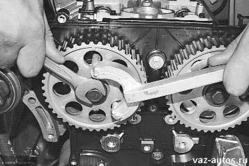 Демонтаж шкивов распредвалов ВАЗ-2112
