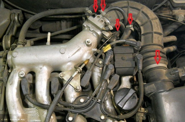 Дроссельный узел с патрубками на ВАЗ-2112 21120 двигатель