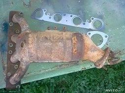 Ржавый и испорченный катализатор ВАЗ-2112