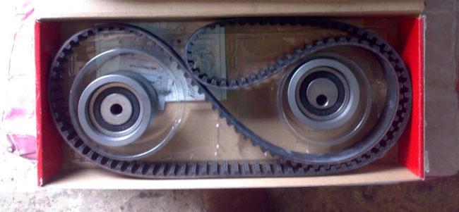 Полный комплект для замены ремня ГРМ от Gates на ВАЗ-2112