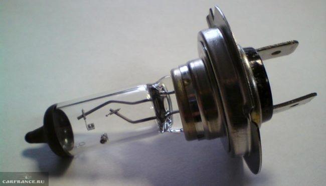 Лампа ближнего света на Лада Калина H7 цоколь