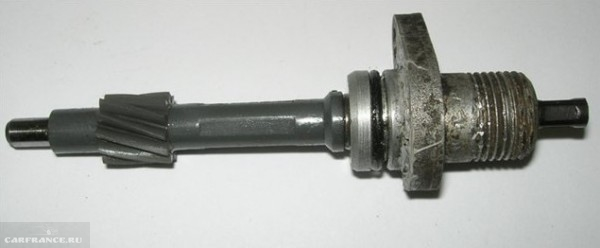 Датчик скорости ВАЗ-2112 старого типа