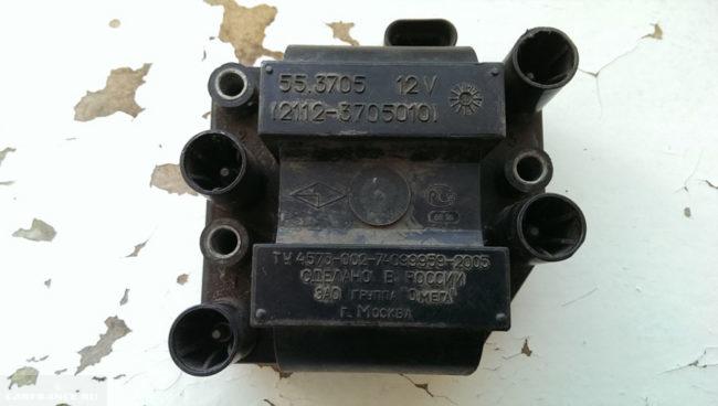 Визуальный осмотр модуля зажигания ВАЗ-2112 на трещины
