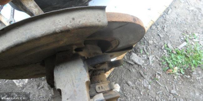 Внешний вид не вентилируемых тормозных дисков на ВАЗ-2112