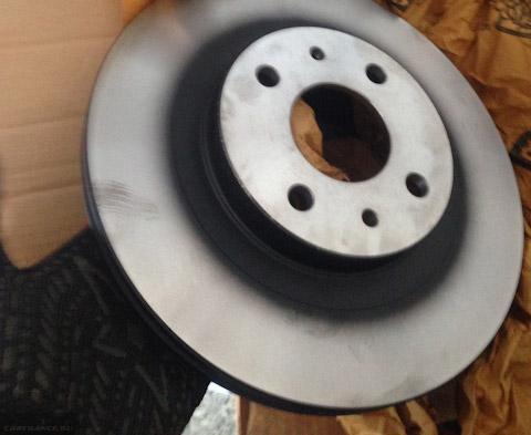 Новые тормозные диски на ВАЗ-2112
