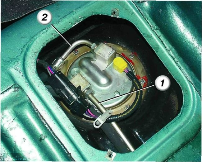 Отключаем подачу топлива ВАЗ-2112
