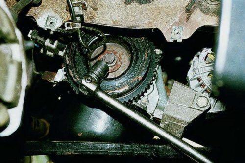 Демонтаж шкива коленвала ВАЗ 2112