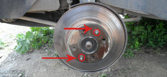 Удерживающие штифты тормозного диска на ВАЗ-2112