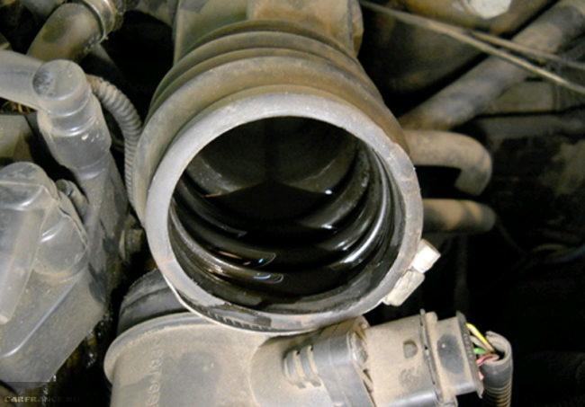 Шланг принудительной вентиляции на ВАЗ-2112