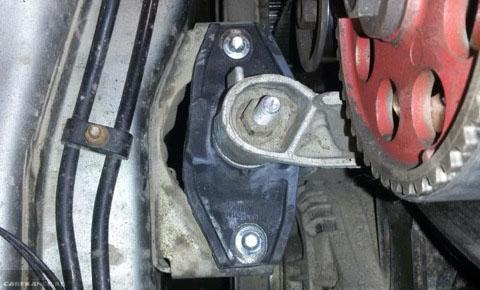 Установка правой опоры двигателя на ВАЗ-2112
