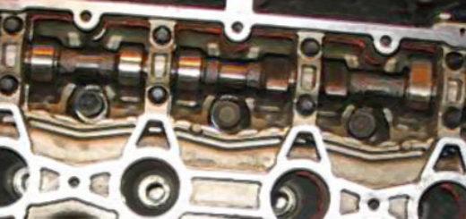 Распредвал в двигателе ВАЗ -2112 вблизи
