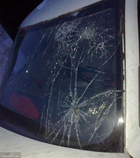 Разбитое стекло на ВАЗ-2112
