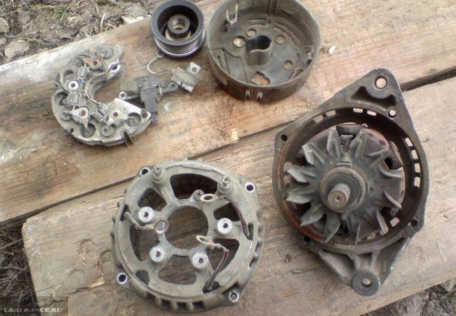 Разобранный генератор с автомобиля ВАЗ-2112