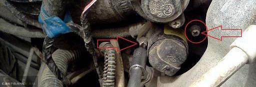 Крепление регулятора холостого хода на ВАЗ-2112