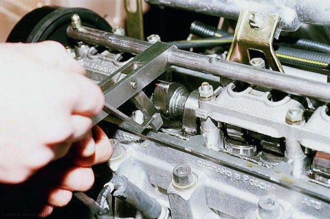Регулировка теплового зазора клапана ВАЗ-2112