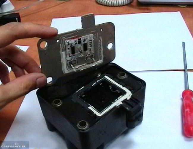 Открытие модуля зажигания ВАЗ-2112