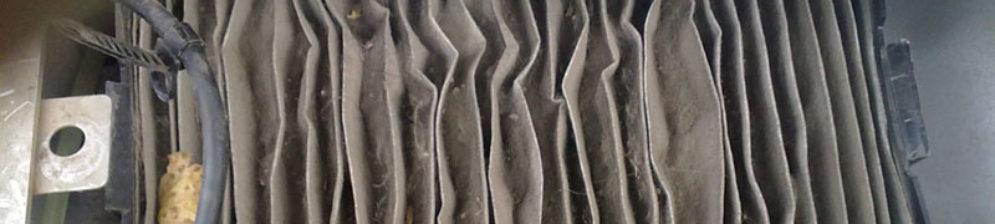 Извлечение старого салонного фильтра на Лада Калина