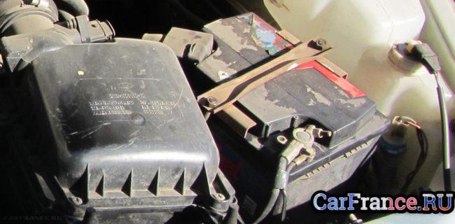 Сел аккумулятор на редакционной ВАЗ-2112