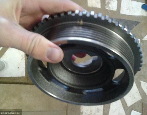 Чугунный шкив коленвала на ВАЗ-2112