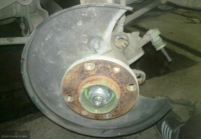 Передний тормозной механизм ВАЗ-2112 без тормозного диска