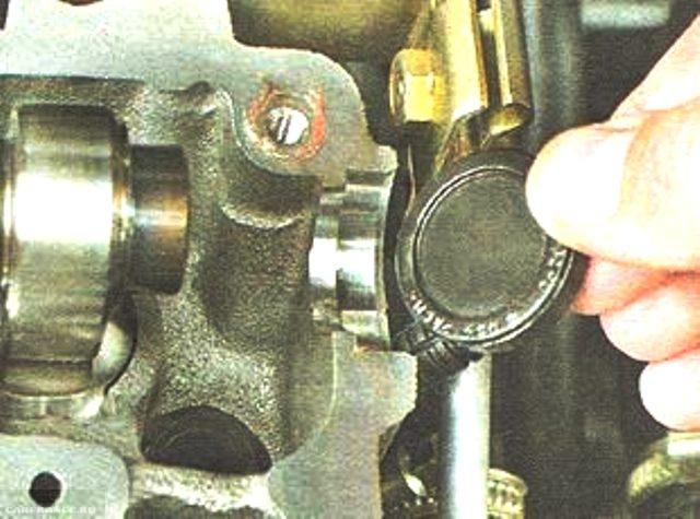 Демонтаж заглушек ГБЦ ВАЗ-2112