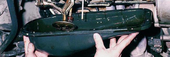 Снимаем поддон двигателя ВАЗ-2112