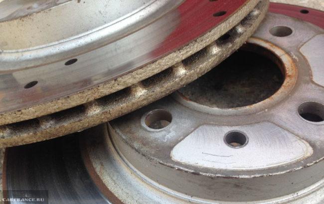Тормозные диски которые подвергли шлифовке на ВАЗ-2112