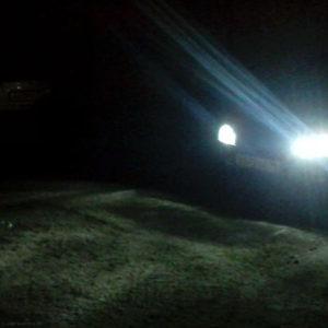 Диодные лампы в ближнем свете Лада Калина ночью спереди