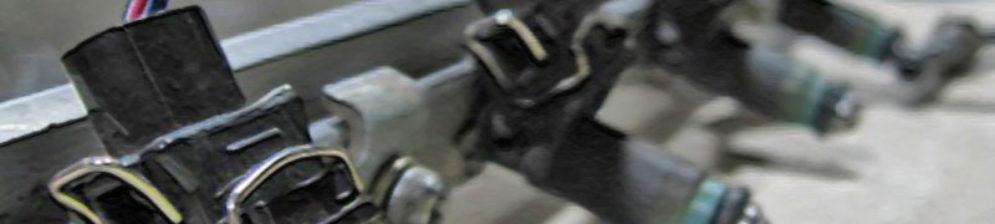 Снятая топливная рампа на ВАЗ-2112