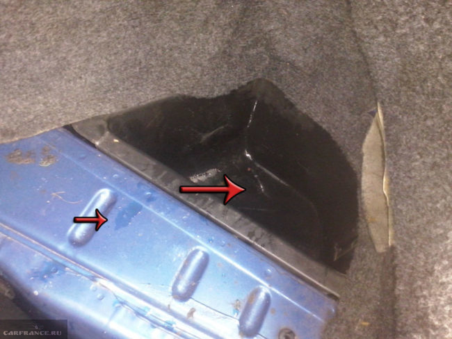 Вода в нишах и на металле кузова багажника ВАЗ-2112
