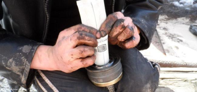 Добавление смазки в ШРУС на ВАЗ-2112