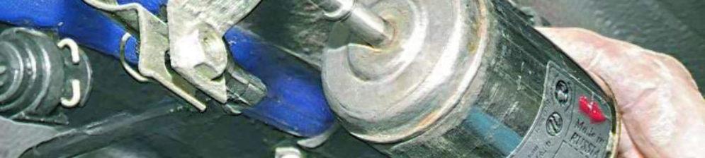 Топливный фильтр ВАЗ-2112 и его посадочное отверстие