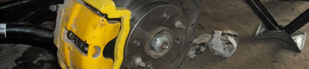 В процессе замены тормозных дисков на ВАЗ-2112