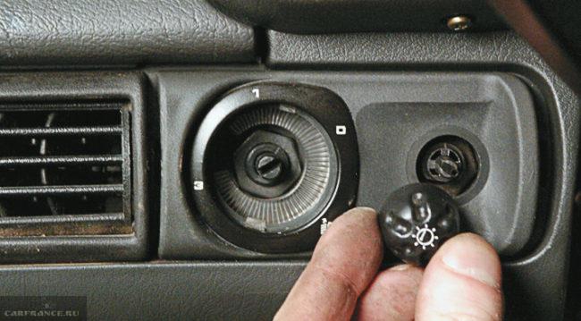 Демонтаж рукоятки ВАЗ-2114