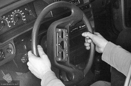 Выбиваем руль ВАЗ 2114 с посадочного места