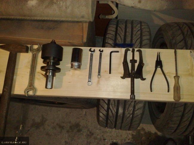 Инструмент для выполнения работ по замене ступицы на ВАЗ-2112