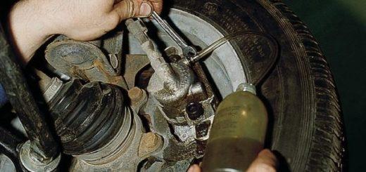 Прокачка переднего тормозного цилиндра ВАЗ-2112