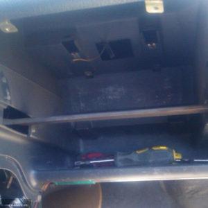 Панель приборов на ВАЗ-2112 бардачок снят