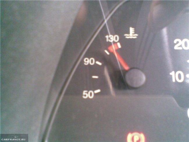 Повышенный уровень температуры охлаждающей жидкости двигателя на панели приборов ВАЗ-2114