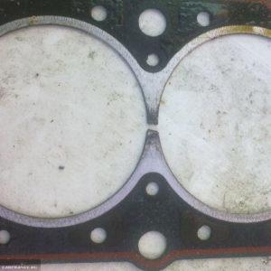 Прогоревшая прокладка ГБЦ вблизи ВАЗ-2114