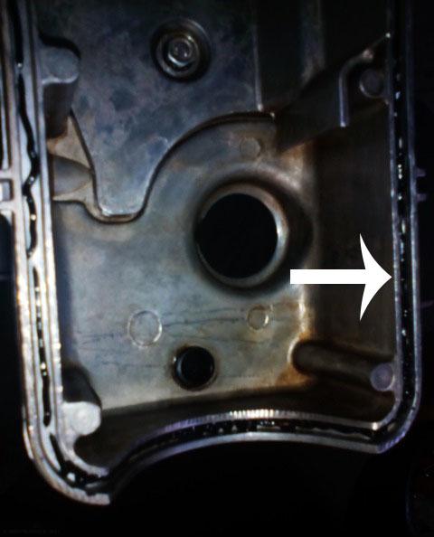 Нанесение герметика на клапанную крышку ВАЗ-2114