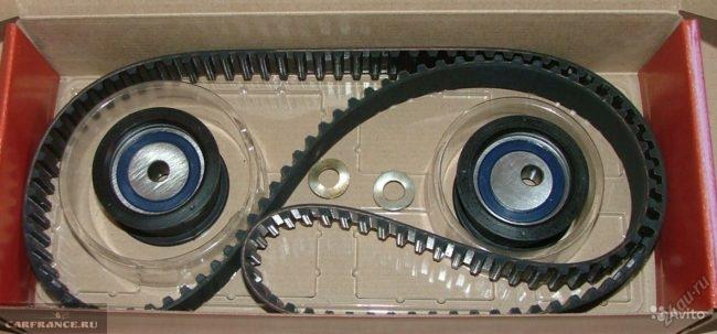 Комплект ГРМ на ВАЗ-2112 ремень и два ролика