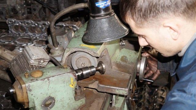 Обработка клапана ВАЗ-2112 на станке