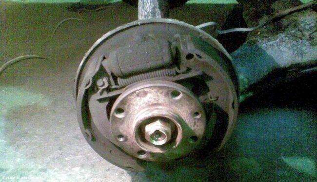 Сборка механизма заднего колеса на ВАЗ-2112